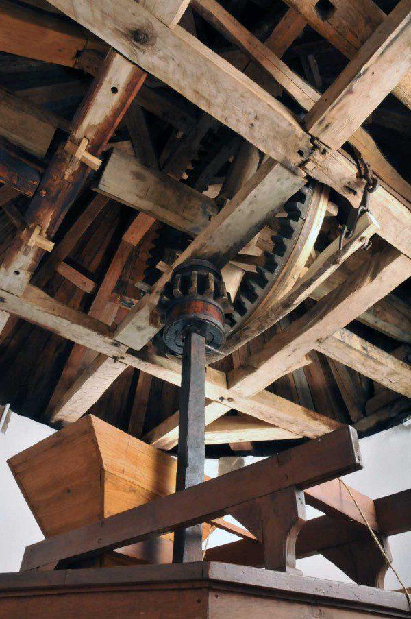 Moulins de l'Isle-aux-Coudres - Le mécanisme du moulin à vent restauré. Crédits photo: François Rivard, photographe.
