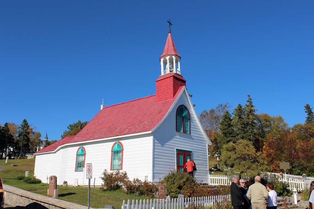 Chapelle Tadoussac - Vue avant de la chapelle.