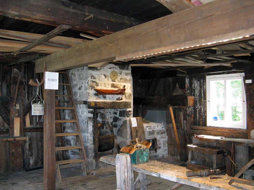 Chalouperie Godbout - Mise en valeur de la maçonnerie du foyer.