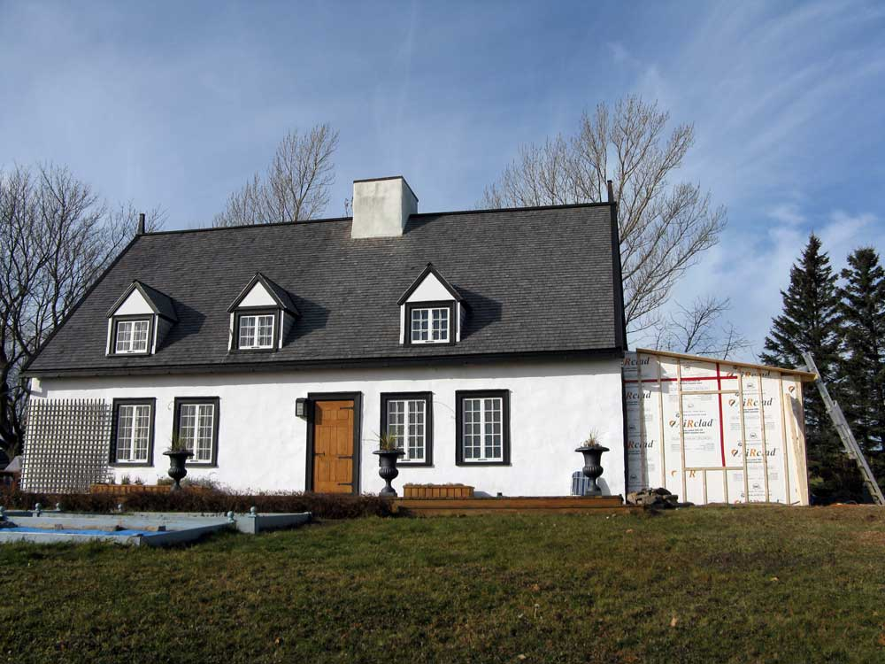 Maison Hébert dit Lecompte - Façade arrière pendant les travaux.