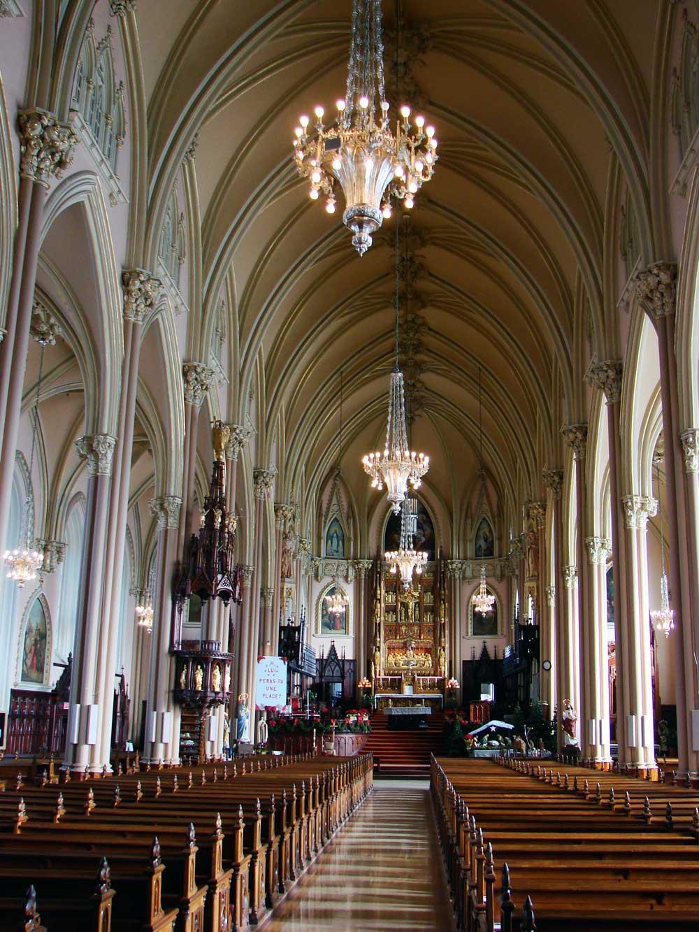 Église de la nativité de Beauport - Perspective vers le maître-autel.