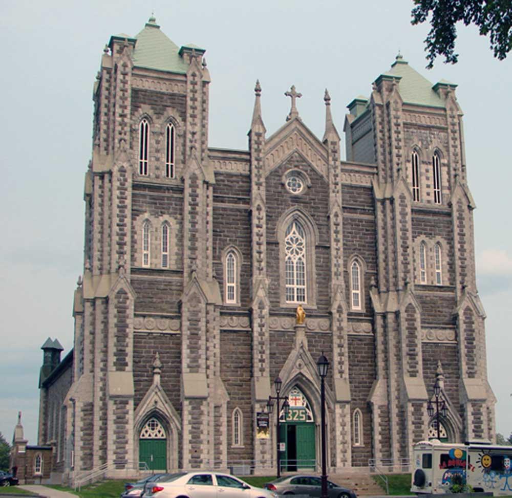 Église de la nativité de Beauport - Façade de l'extérieur de l'église.