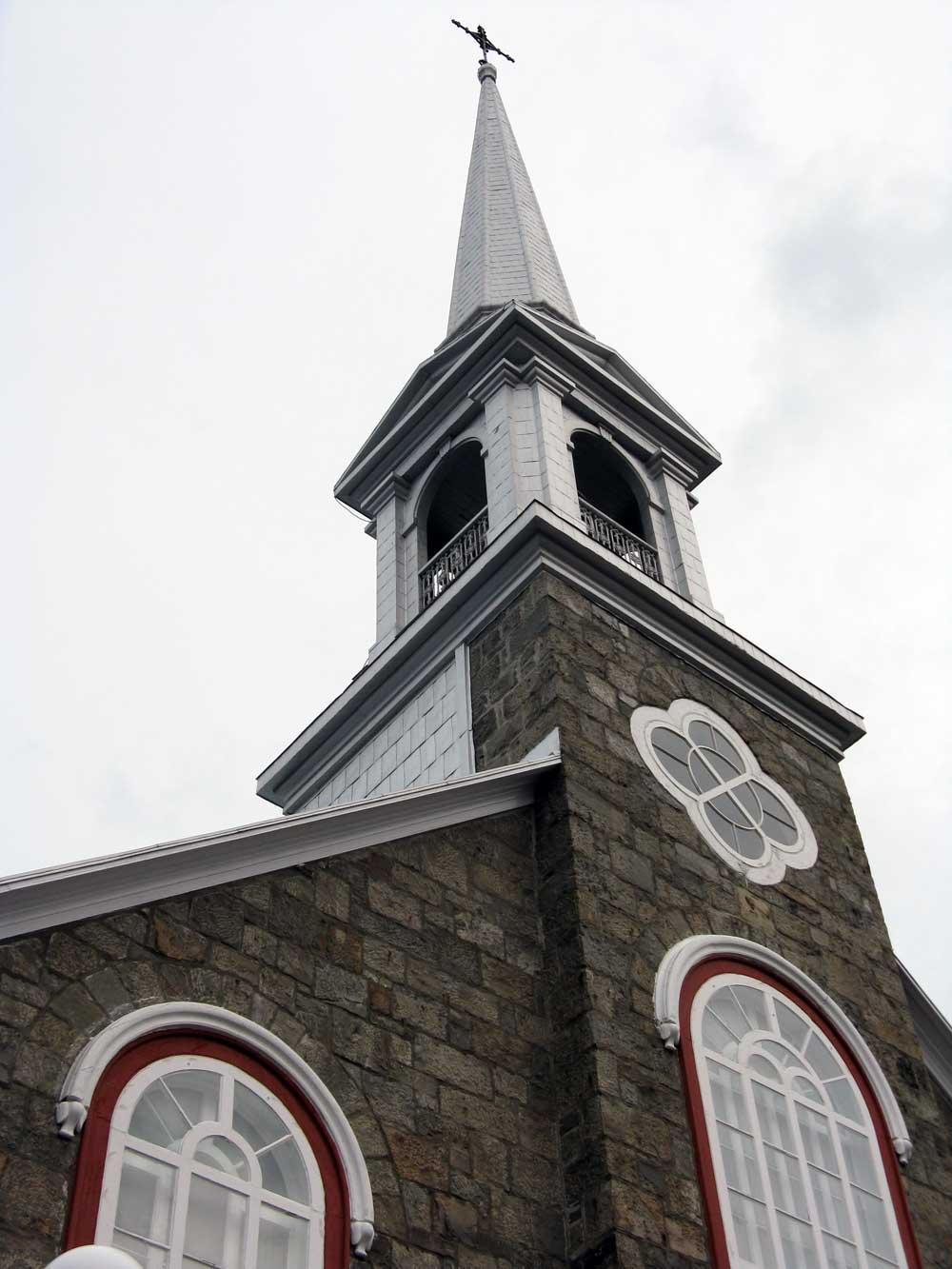 Église de Saint-Eugène de l'Islet - Détails du clocher.