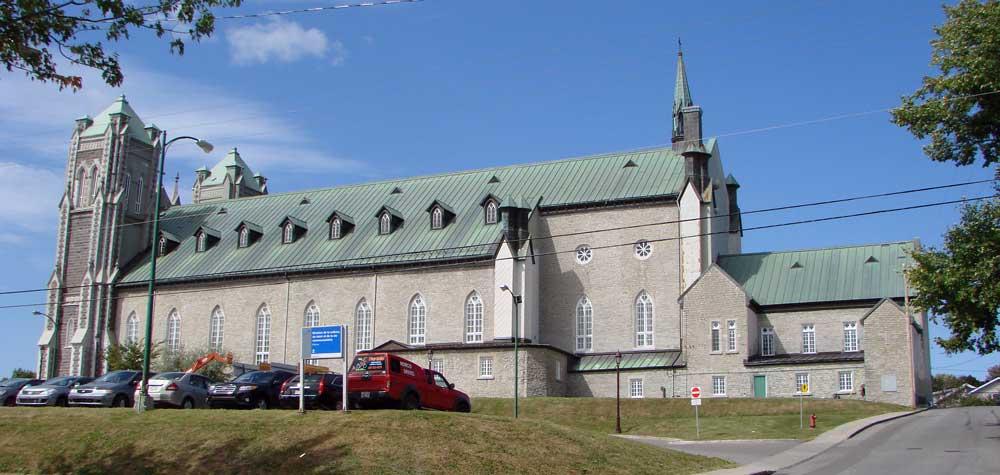 Église de la nativité de Beauport - Façade sud de l'église.